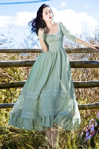 Freeship light green lace emboridery square collar vintage medieval long dress