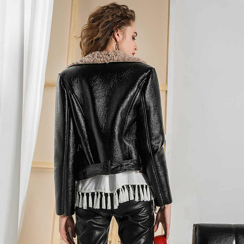 2019 Women Locomotive Outwear Slim Short Ladies Leather Jacket Plus Faux Roll Wool Female Autumn Bright PU Leather Jacket Coat