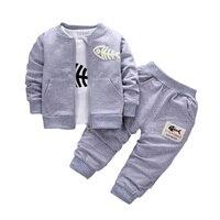 2017 Baby Kinderkleding Sets Jongens Katoenen Jas + shirt + broek 3 stks visgraten Suits Herfst En Winter Kinderen trainingspakken
