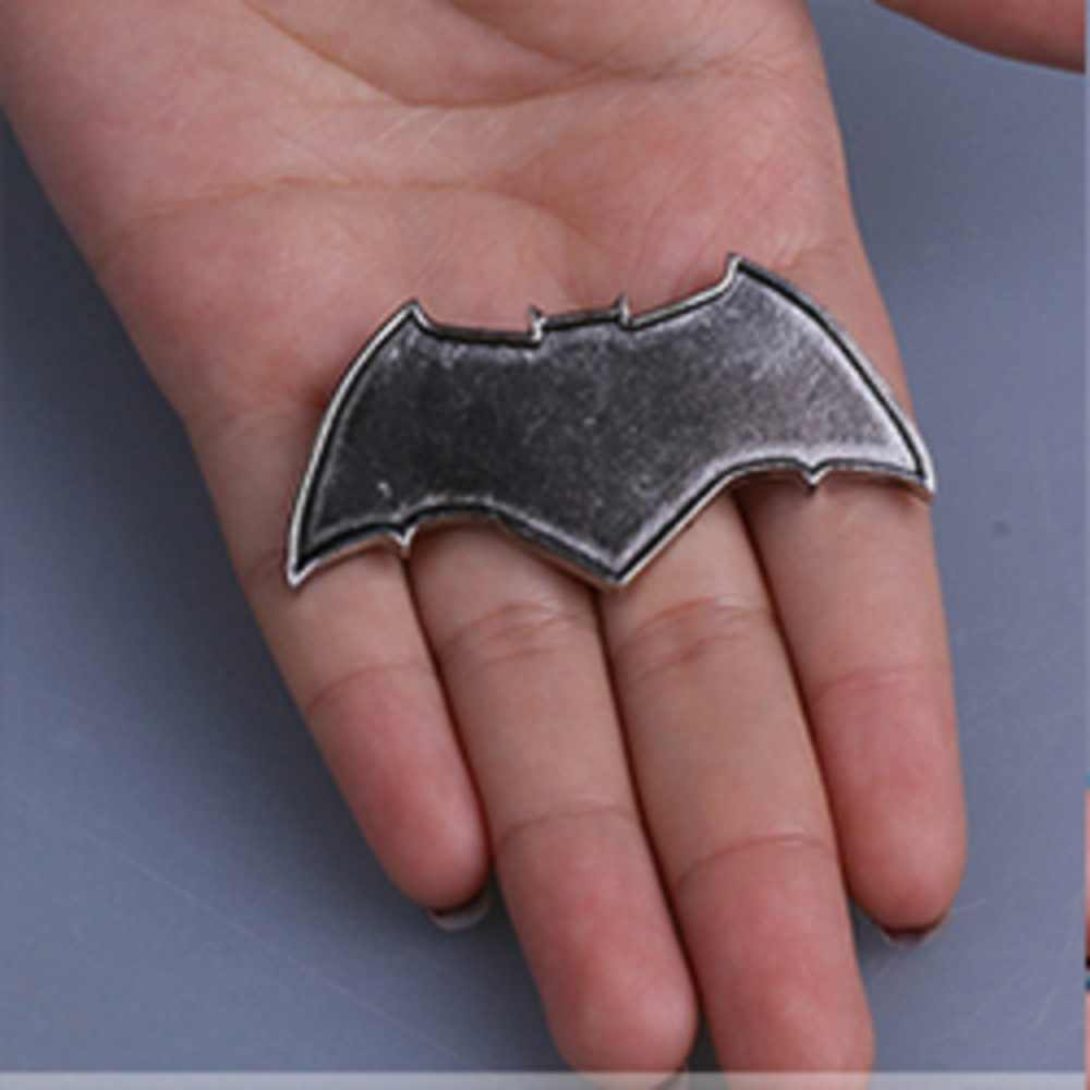 57052179d5b5 ... Justice League Badge Mortal Superhero Logo Badge Pins Brooches Metal  Superman Wonder Woman Flash Batman Aquaman ...