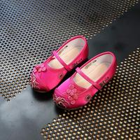 2018 New Girls Silk Embroidery Flower Shoes Classic Han Chinese Children S Embroidered Shoes Tendon At