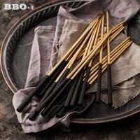 Palillos coreanos de acero inoxidable para Sushi, vajilla japonesa, color negro y dorado, 2/5/10 pares