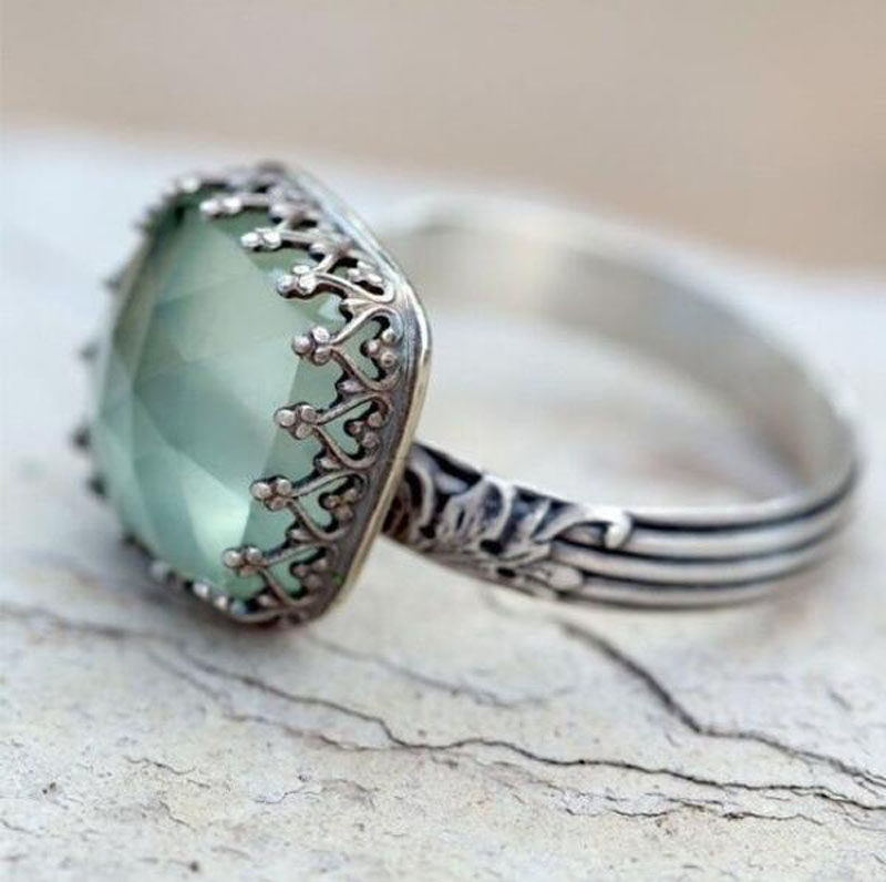 New Fashion Women Silver Color Mint Green Crystal Stone Square Wedding Ring For Lady Female Retro Party Ring Gift Jewelry RZ746