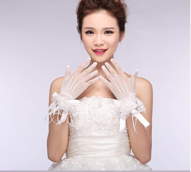 Pulso Luvas de Casamento 2016 Com Flores E Faixa branca Elegante Acessórios Do Casamento Luvas De Noiva 2017 Luvas Com Dedos