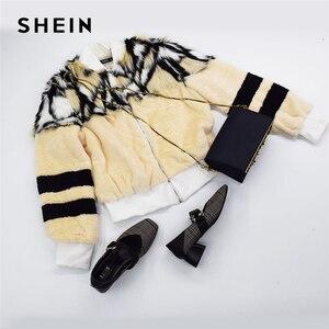 Image 5 - SHEIN Renkli O Ring Zip Up Faux Kürk Ceket Rahat Standı Yaka Uzun Kollu Highstreet Giyim Kadın Kış Kısa mont