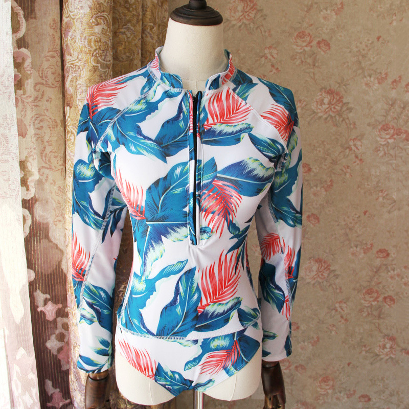 New Print Floral Two Pieces Swimsuit Long Sleeve Swimwear Women Bathing Suit Retro Swimsuit Two Piece Surfing Swim Suit in Rash Guard from Sports Entertainment