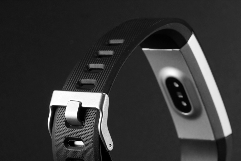 Torntisc ID115HR PLUS Sports Smartwatch With Heart Rate Monitor And Fitness Tracker for iOS Android 32