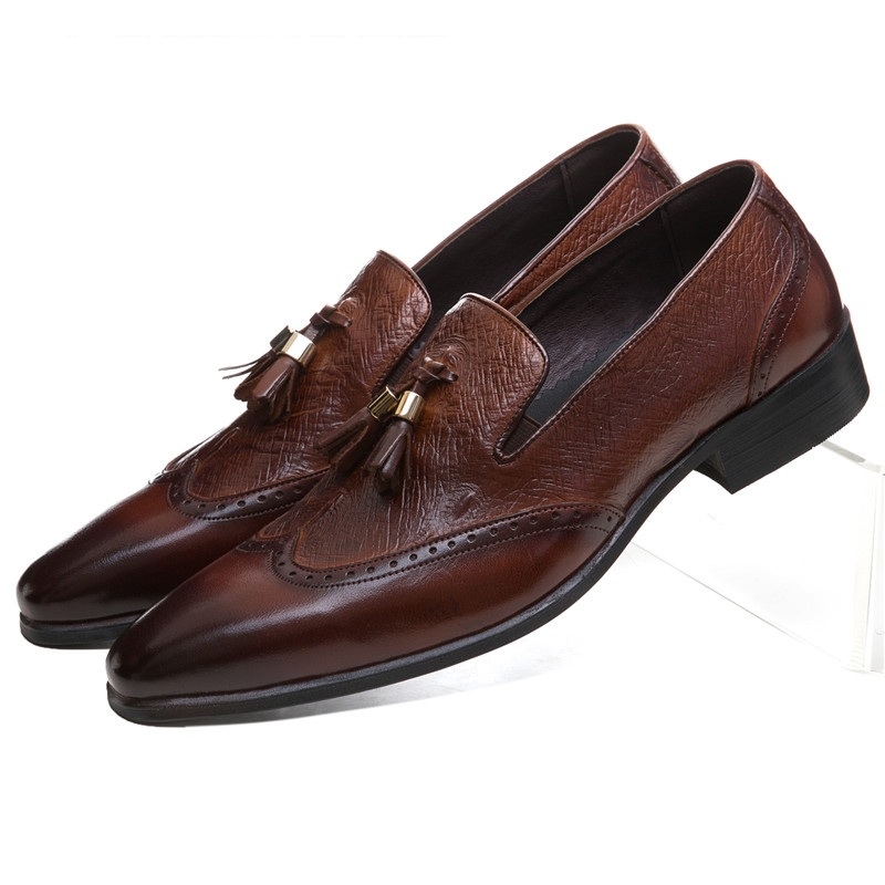 Brown tan / black pointed toe loafers mens casual shoes genuine leather dress shoes mens wedding shoes with tassel crocodile grain brown black loafers formal shoes mens casual shoes genuine leather dress shoes mens wedding shoes with tassel