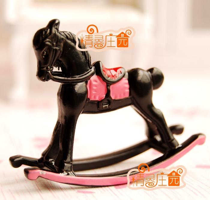 Mini dollhouse Mini furniture accessories painted metal small rocking horse cute playful