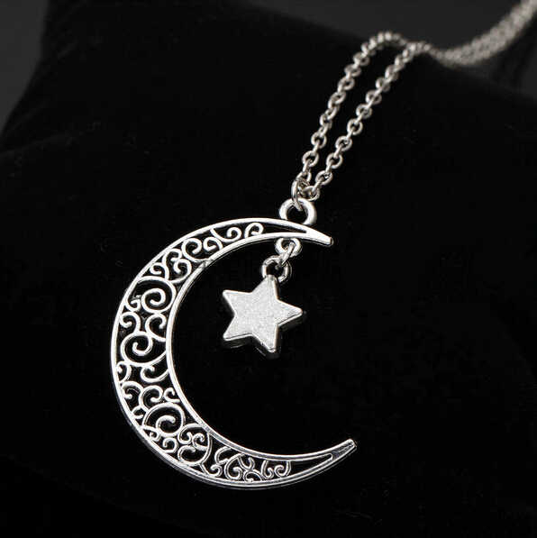 2019 New Fashion Bohemian Necklace Crescent Jewelry Charm Choker Silver Moon Plated Star Chain Pendant Jewelry Women Female