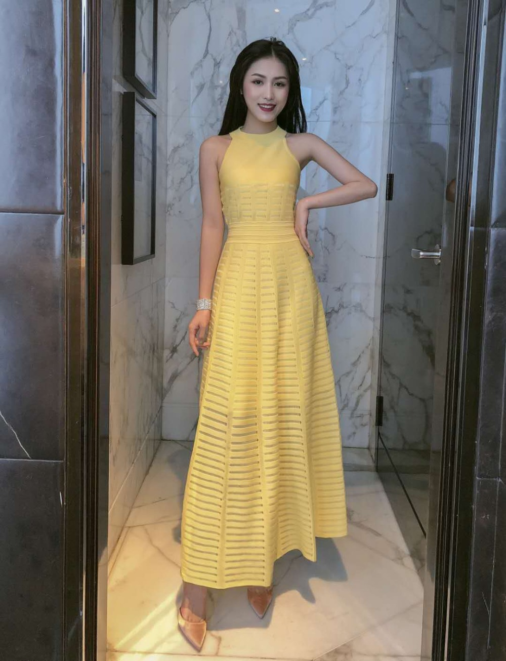 Frauen verband kleid neue 2019 sommer promi party gelb mesh hängenden hals spitze MAXI lange kleid Vestidos sexy mode gr-in Kleider aus Damenbekleidung bei  Gruppe 2