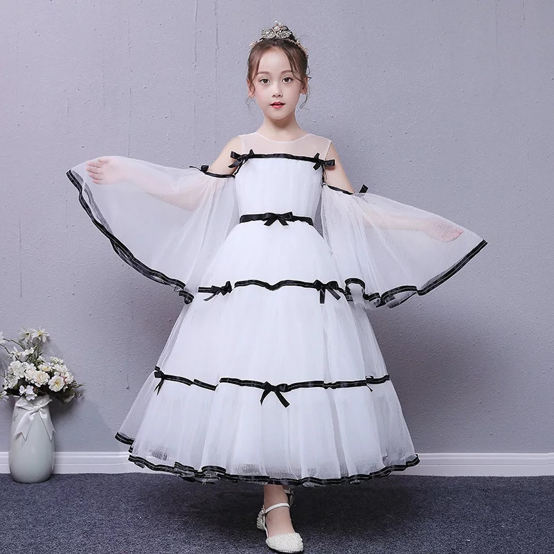 цена на 2018 New Luxury White Color Children Girls Wedding Birthday Party Prom Dress Kids Baby Sweet Flare Sleeves Model Show Mesh Dress
