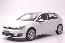 1:18 Diecast Model for Volkswagen VW Golf 7 White Alloy Toy Car Collection Gifts