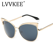 2017 Fashion Ladies Cat Eye Sunglasses Metal Luxury Sun glasses Women Brand Designer Big Frame UV400 Mirror Vintage Shades 923