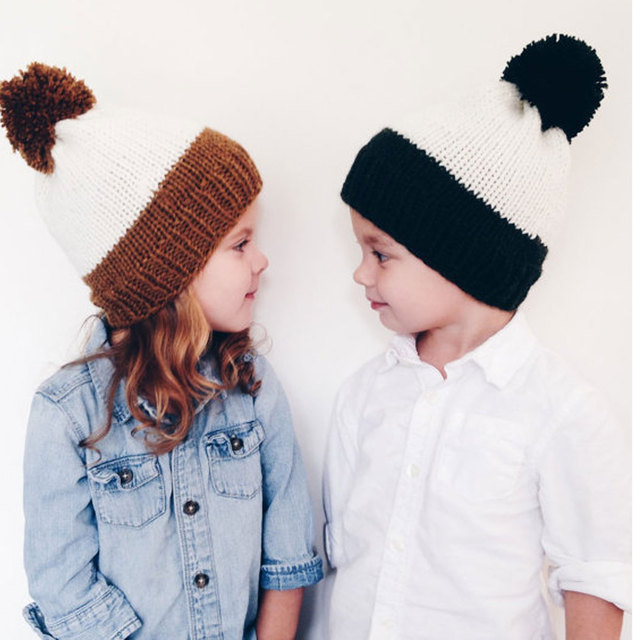 Madre E Bambino Cappello Reale Pelliccia di Procione Pompon Beanie Cap  inverno Caldo Patchwork Ragazzi Ragazze 3cc97535b0fc