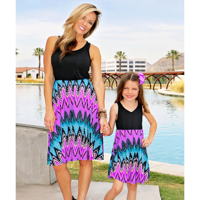 2018 Mother and Daughter Clothes Floral Family Costumes Striped Dress for Mum and Daughter Sleeveless Mommy and Me Dresses Cute