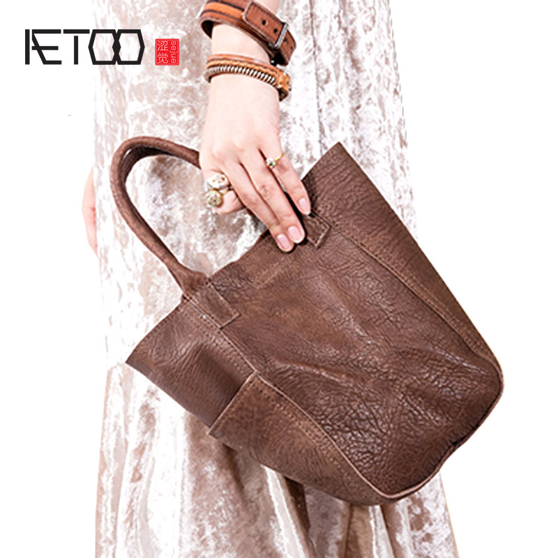 AETOO New style leather female handbag fashion vegetable basket bag retro handmade small bag first layer leather shoulder bag aetoo leather men bag new retro first layer of leather handbag large capacity vegetable tanned leather shoulder bag