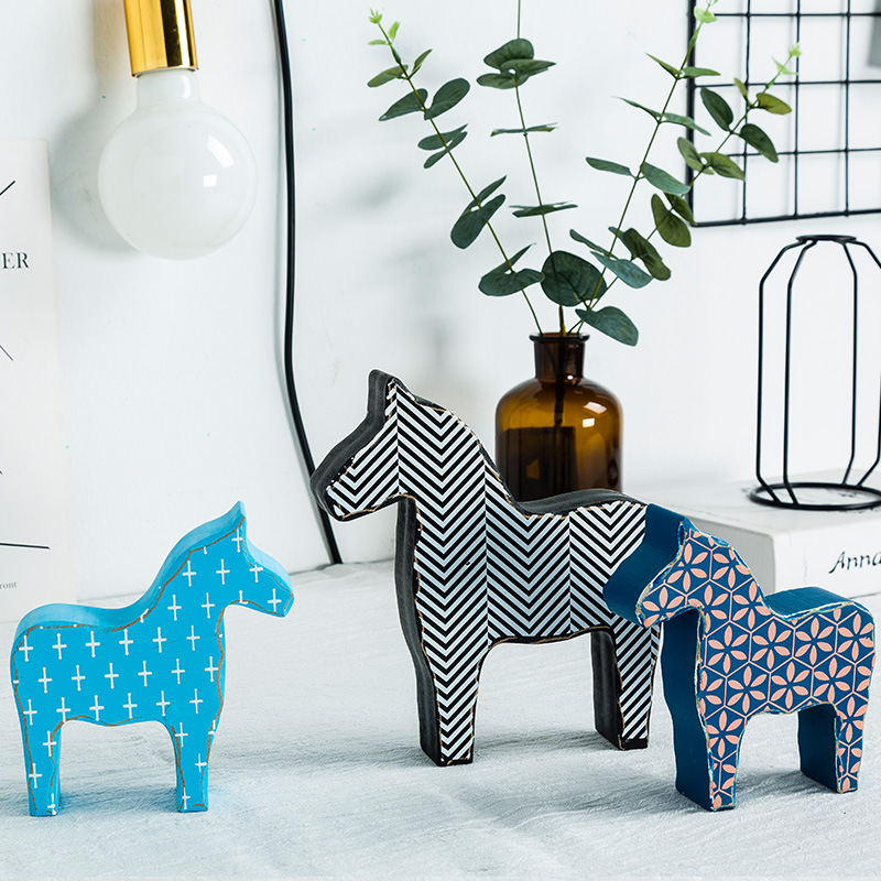 Originality personality Geometric Trojan horse Wooden ornament Lovely A decoration Desk Small fresh ornament wedding gift