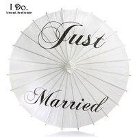 Freies Verschiffen 84 cm Gerade Geheiratet Bemalt Papiersonnenschirm für Hochzeitsfotos Hochzeit Decor Papier Dach