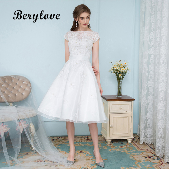 Berylove Short White Wedding Gowns 2018 Knee Length Beaded Lace Dresses With Sleeves Up