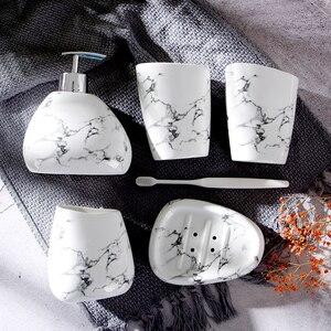 Image 4 - Jeu daccessoires de salle de bain en céramique