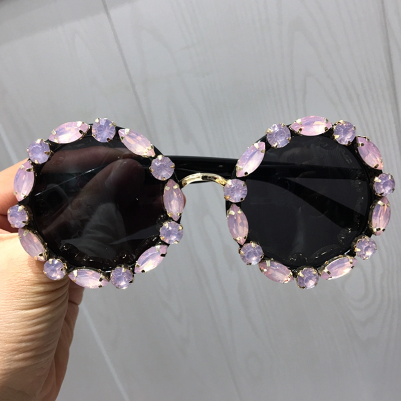 2018 Fashion Women sunglasses Luxury Crystal Sunglasses Rhinestone Round glasses for female Vintage Shades UV400