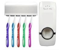 אופנה משפחת סט מחזיק האוטומטי dispenser משחת שיניים + מברשת שיניים הגדרת הרכבה בקיר אוראלי סיטונאי אמבט rack