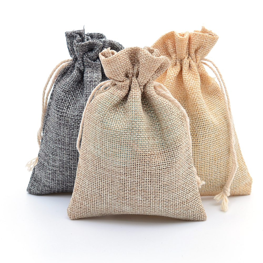 100pcs/lot Faux Burlap Hessian Jute Bags Jewelry Packaging Rustic Wedding Favors bomboniere Gift Bag 9x12cm Mix Color