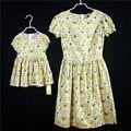 Marca family look vestido de gato de algodón estampados florales faldas de los niños de las mangas cortas niños vestidos de las muchachas vestido de madre e hija ropa