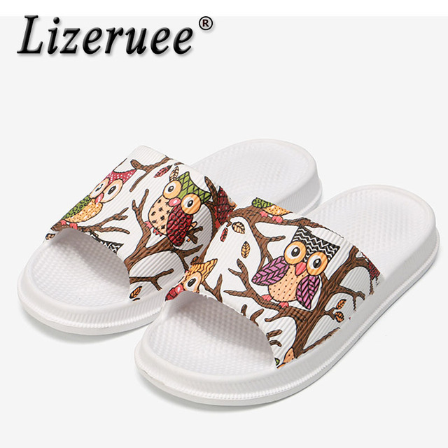 Lizeruee Verão Mulheres Chinelos de Sola Grossa Chinelos Deslizamento em Sandálias de Verão Mulheres Sapatos Flip Flops Dos Desenhos Animados CS574 Zapatillas Mujer