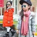 2016 Chaquetas de Invierno Para Niñas Grueso Abrigo Largo De niños Pluma de Ganso Parkas Nieve Cálido Abrigo de Piel de Los Niños con capucha