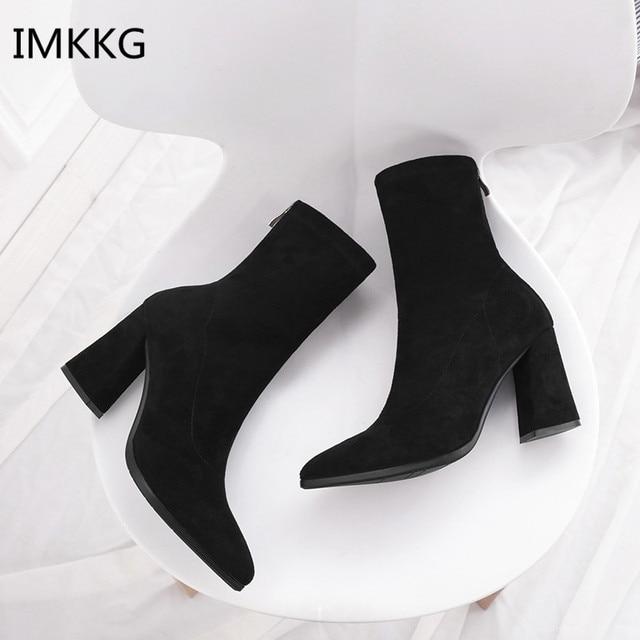 Thời trang Phụ Nữ Khởi Động Mắt Cá Chân Dày Gót Giày Mùa Thu Nữ Mới Nhất Phụ Nữ Chân Nhọn Thương Hiệu Giày Martin Phụ Nữ Khởi Động Q530