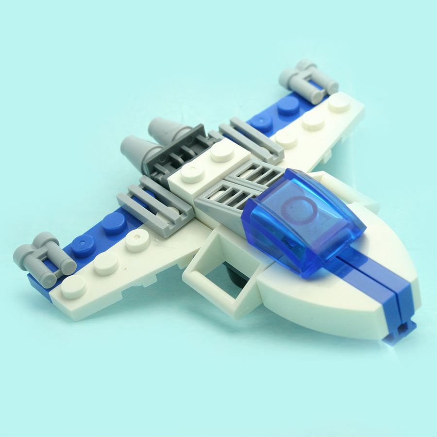 36Pcs/set Space Spaceship Fighter Model Figures Fancy Toys for Boys Girls Stacking Blocks Compatible with All Brands DT0059