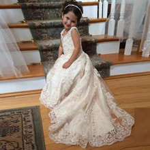 2017 Ivory Lace First Communion Dress For Girls Cap Sleeve Sexy V Neck Sweep Train Appliques Cheap Flower Girls Dress Long Gown