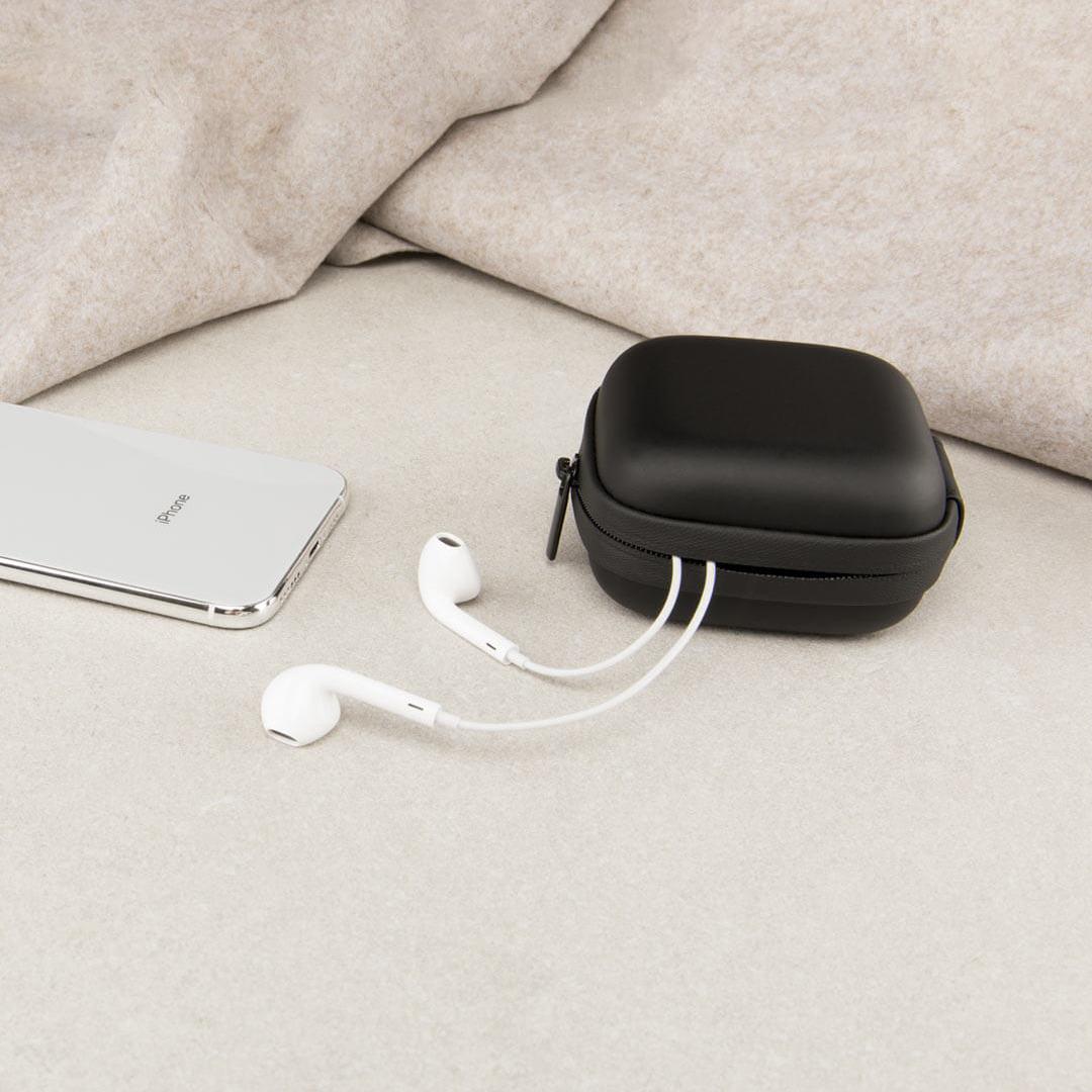 Image 4 - Xiaomi Портативный ЭВА сумка для хранения водонепроницаемый мешок для хранения для беспроводных наушников/кабеля/U диск/TF карты наушников Аксессуары-in Аксессуары для наушников from Бытовая электроника