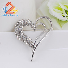 Korea New Woman brooch elegant shiny Rhinestones Heart Shape brooches Girls Corsage Crystal Brooch Pins