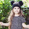 Doble giant pom pom sombrero del bebé con orejeras kids beanie sombrero hecho punto invierno elf sombrero del bebé apoyos de la foto