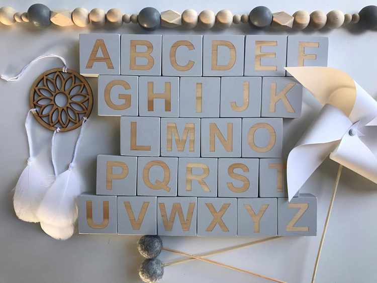 Wooden-Alphabet-Montessori-26-English-Letters-Learning-Teaching-Materials-Blocks-Puzzle-Baby-Room-Decor-Photography-Accessories-010