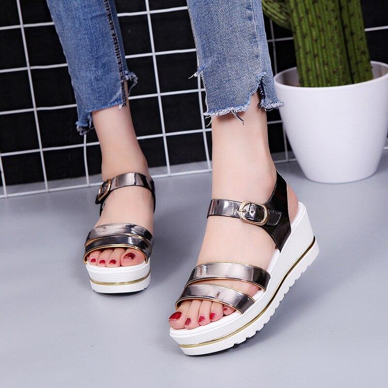 Hebilla Pendiente De Pastel blanco Salvaje Gun Suelta Zapatos Sandalias 2019 Nuevo Tendencia Con Color Fondo Mujer Diamante Alto Tacón Verano OwS0EHnv