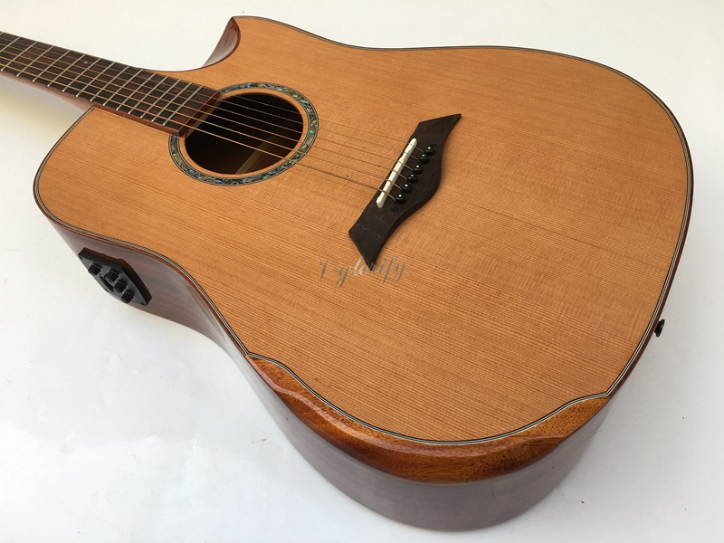 Fait à la main performance acoustique guitare en bois massif rouge de cèdre épinette en gros