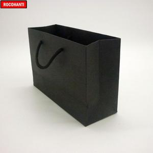 Image 4 - 50 قطعة 250 جرام أسود كرتون ورقة حقيبة مع سلسلة للملابس التسوق شعار مخصص مطبوعة قبول F2122