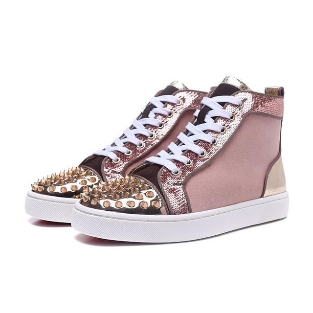 Женские вулканизированные туфли с золотыми шипами; повседневная обувь с высоким берцем; блестящие заклепки; женские кроссовки; большие раз
