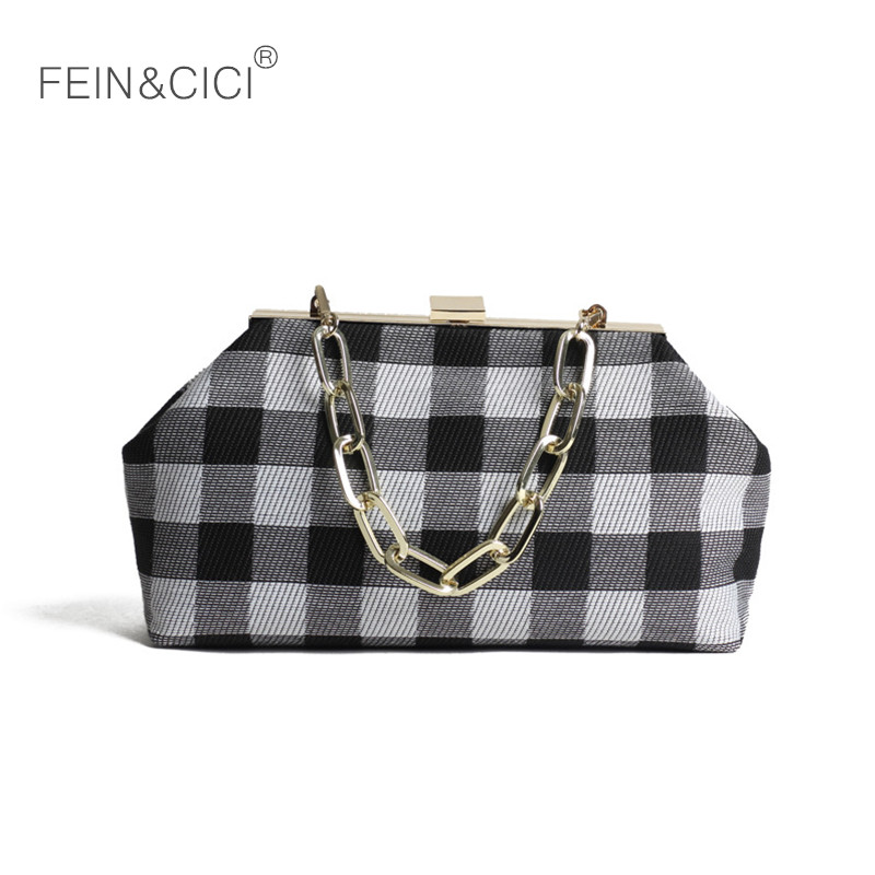 купить vintage chains bag plaid party Clutch Frame kiss clasp totes handbag women 2018 new canvas crossbodys bag high quality red black по цене 3195.88 рублей