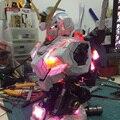 YIHUI Grande parte Gundam 1/35 Cabeça retrato UNICÓRNIO Avatar Com luzes LED modelos de kits modelo de plástico