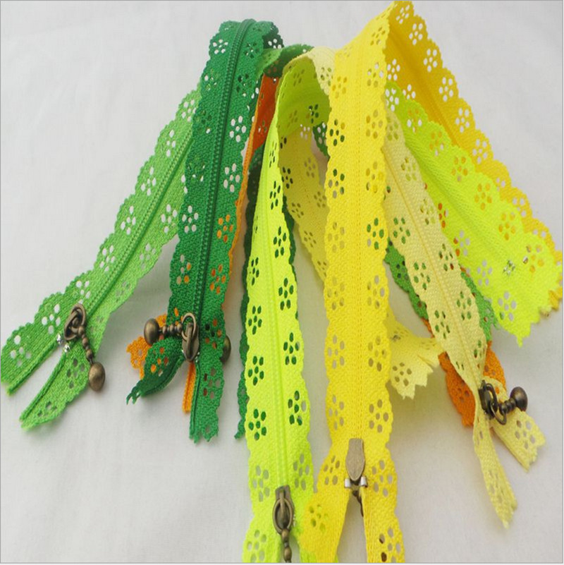 100 pieces 50cm 19 7in Nylon Coil Beautiful Lace Zippers for DIY Bags 3 Tailor Sewer