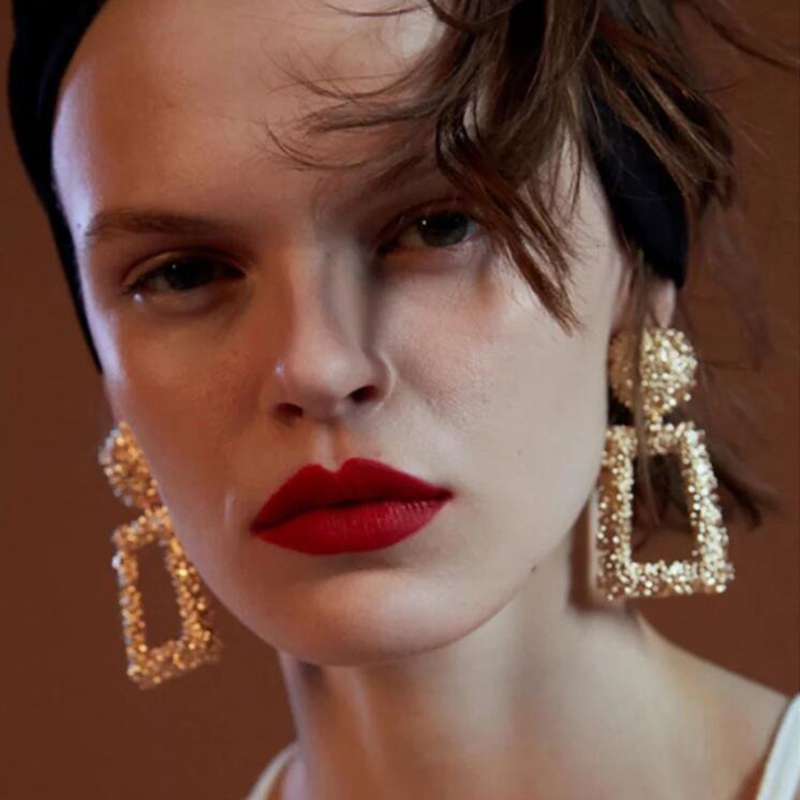 European Exaggerated Geometric Earrings Women Fashion Jewelry Retro Flower Carving Earrings Simple Creative Accessories