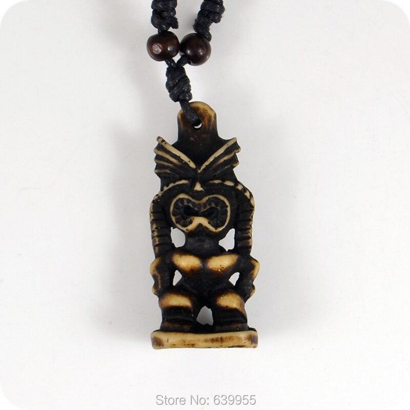 c81725f69b481 קנו שרשראות ותליונים   Tiki Resin Carving Pendant Necklace Maori ...