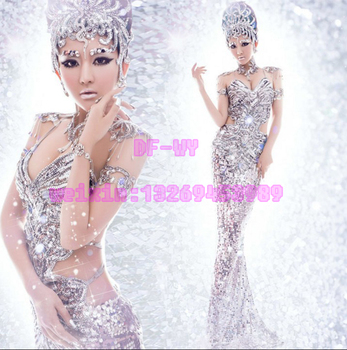 Bar and nightclub singer DJ dancer silver sequins gorgeous and sexy dress includes all components of stage performance clothing