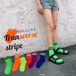 Stilvolle Reine Farbe Klassische Streifen Casual Neon Socken Frauen Harajuku Fluoreszenz Grün Kurze Socken Winter Baumwolle Socken Unisex