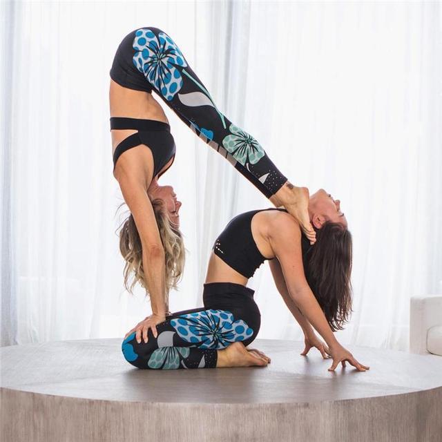 Lotus Digital Print Hips Lifting High Waist Yoga Pants